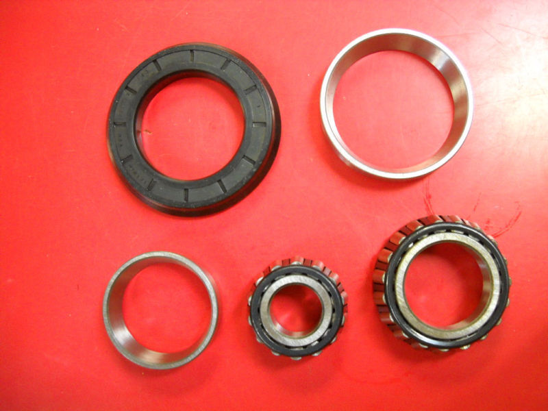 Ford Front Wheel Bearing Kit Dexta 2000 3600 3000 5000