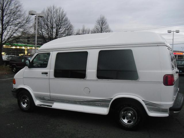 2000 Dodge Ram High Top Conversion Van Great Condition