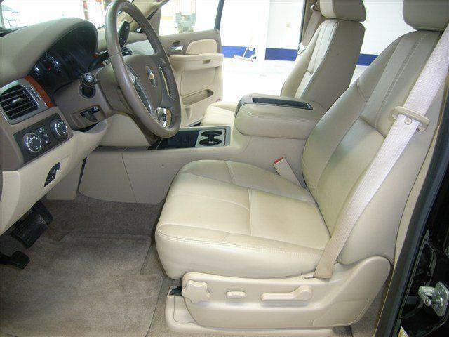 2009 Chevrolet Suburban 3/4 TON-LT2-