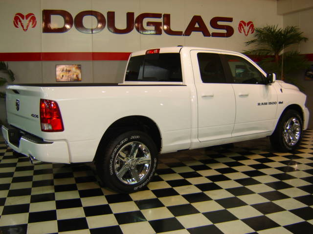 used 2011 dodge ram sport 4x4 1500 quad cab with sport. Black Bedroom Furniture Sets. Home Design Ideas