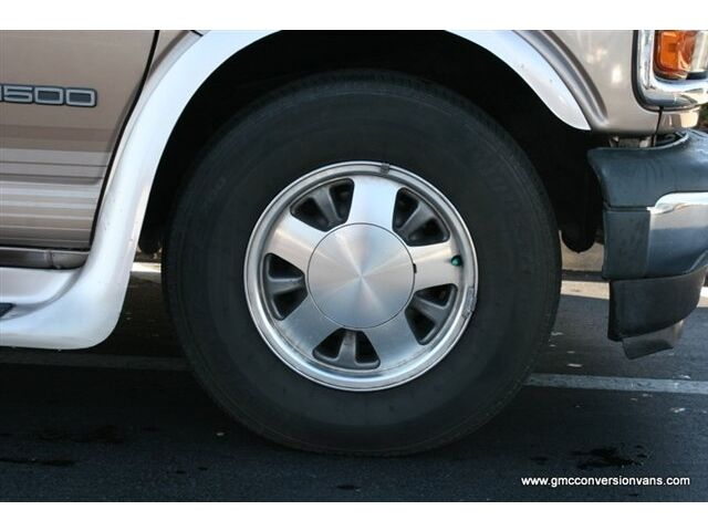 Gulf Stream 5.0L Rear Wheel Drive Full Size Spare Tire