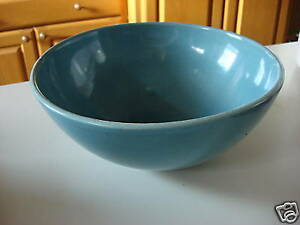 Red-Wing-9-1-2-BOWL-HostessWare-Blue