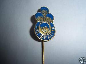 ORIGINAL-1964-THE-BEATLES-AUTHENTIC-BADGE-PIN-BROOCH-BLUE-BRILLIANT-CONDITION