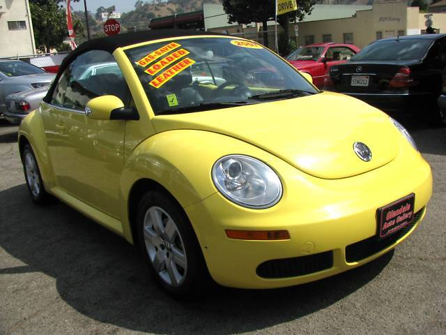 07 Volkswagen New Beetle Convertible Yellow/Black