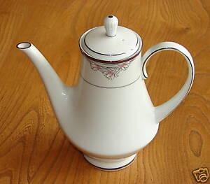 Noritake-Legendary-Coffee-Pot-GARBO-3790