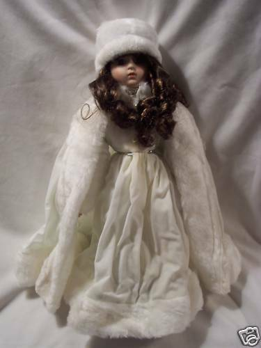 "CHRISTMAS  PORCELAIN COLLECTOR_15""  DOLL_ 1988 HOUSE OF LLOYD (#1285)"