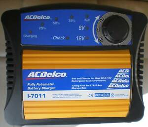 BATTERY CHARGER AC DELCO 3 STAGE 6/12VOLT 2/4/6AMP