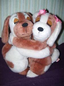 R Dakin 1976 VINTAGE Hugging Velcro Puppy Dogs HTF VGC