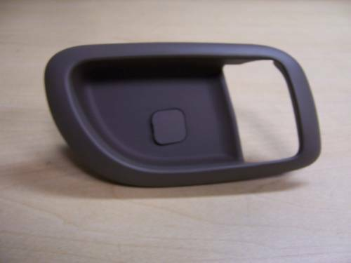 Kia OEM 06-12 Sedona Front Door-handle Bezel Right 826214D000DP   eBay