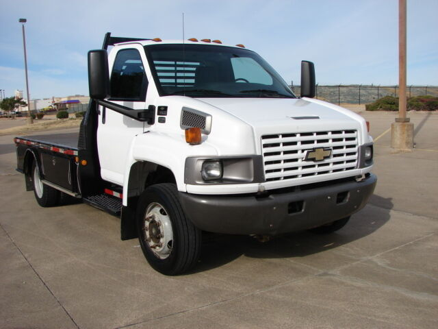 2004 CHEVY C-4500 FLAT BED DURAMAX DIESEL LQQK