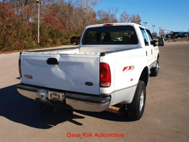 Crew Cab XLT CD 4X4 2nd Row Bench Seat 4-Wheel ABS A/C
