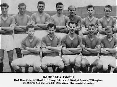 BARNSLEY FOOTBALL TEAM PHOTO 1960-61 SEASON