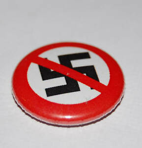 ANTI NAZI 25MM RED BADGE SLOGAN ANTI-FASCIST PUNK