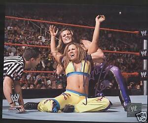 WWE-KATIE-LEA-Signed-8x10