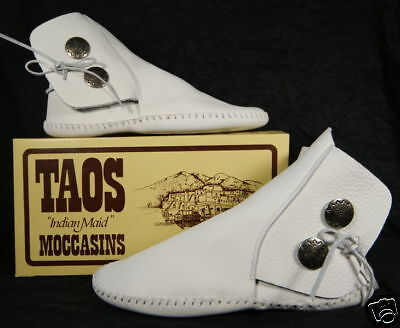 NEW TAOS INDIAN MAID WOMENS BROWN Leather MOCCASINS