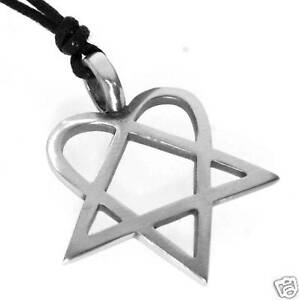 Silver-PEWTER-Heart-Pentagram-HEARTAGRAM-Rock-PENDANT