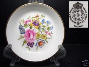 BEAUTIFUL-ROYAL-WORCESTER-FLORAL-BUTTER-PAT