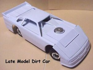 Golden Wheel Dirt Track Late Model Racecar 1:24 scale