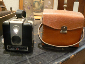 ancien appareil photo camera flash brownie kodak etui ebay. Black Bedroom Furniture Sets. Home Design Ideas