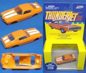 1999-JL-T-Jet-Slot-Car-Clone-Body-1970-Camaro-oran-white