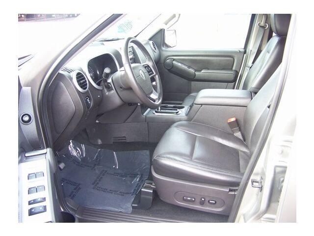 Image 3 of Premier SUV 4.0L CD…