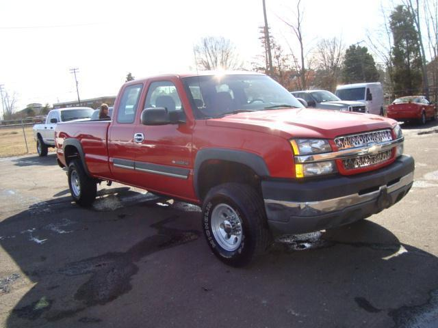 03 Chevrolet Silverado 2500HD 6.0 V8 Gas Chevy Trucks