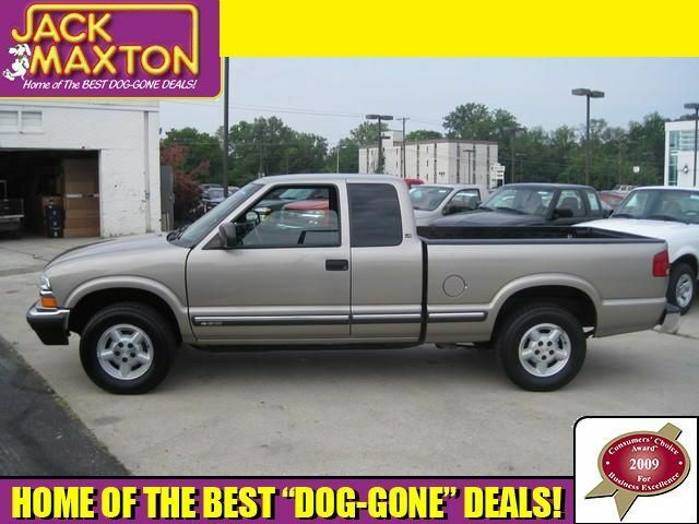 03 S-10~EXT CAB~4-SPD AUTO~4WD~A/C~CD~BED LINER~1 OWNER
