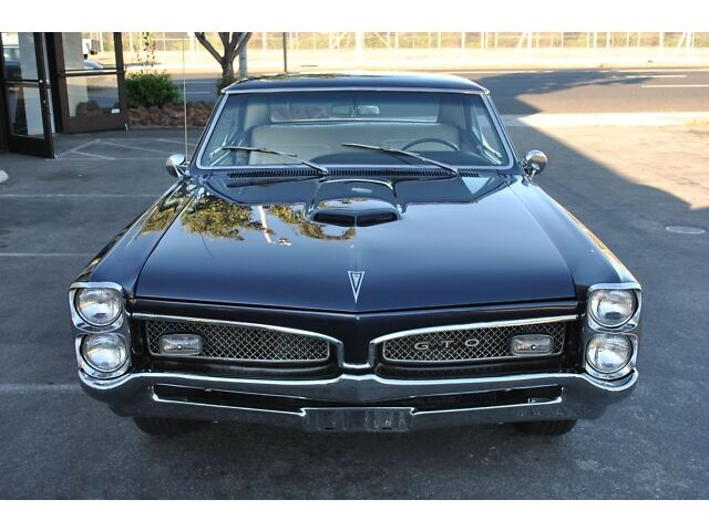 1967 Pontiac GTO - 400 CI V8 - Restored - CA Car