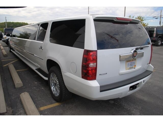 LIMO, LIMOUSINE, STRETCH, MEGA STRETCH, STRETCHED SUV,
