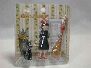 Jiji-kiki-room-magnet-set-Studio-Ghibli