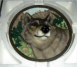 FACES-OF-THE-WILD-The-Wolf-BRADFORD-Plate
