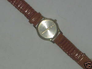 Womens-Fashion-Dress-Casual-Wristwatch-By-St-Martin