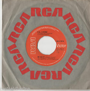 R-amp-J-Stone-We-Do-It-7-034-Single-1975
