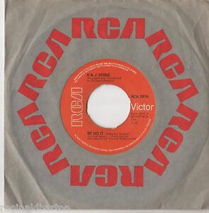 R-amp-J-Stone-We-Do-It-7-034-Single-1975