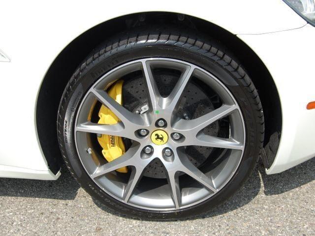 Ferrari California 2010 White. 2010 FERRARI CALIFORNIA XTRA
