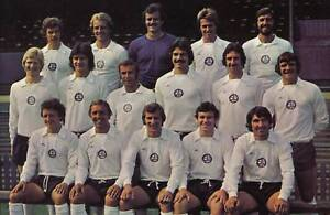 BOLTON-WANDERERS-FOOTBALL-TEAM-PHOTO-1975-76-SEASON
