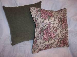 Pair-of-Green-Flower-Print-Pillows-16-x-16-PL43