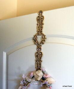Victorian-Brass-Wreath-Hanger-Holder-Elegant-over-door