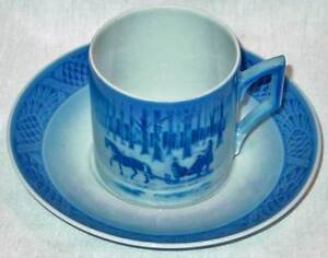 1984-ROYAL-COPENHAGEN-CHRISTMAS-CUP-SAUCER-NEW
