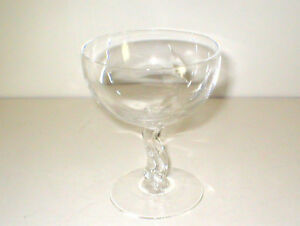 Fostoria-WINDFALL-pattern-Crystal-Glass-WINE-CHAMPAGNE