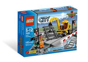 Lego City passage à niveau (7936) NEUF, neuf dans sa Boîte & Scellé