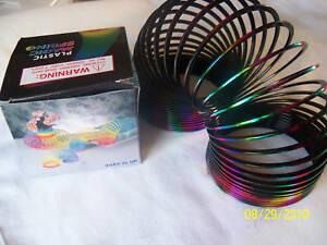 Metallic-Rainbow-Plastic-Slinky-Childrens-Toy-3-034