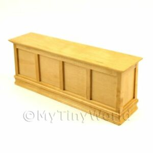 Varnished-Shop-Display-Counter-Dolls-House-Miniatures