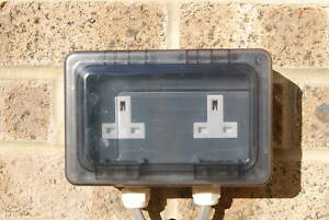 2 GANG TWIN OUTDOOR DOUBLE SOCKET WATERPROOF WEATHERPROOF SEALED OVER PLUGS IP55