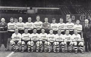CRYSTAL-PALACE-FOOTBALL-TEAM-PHOTO-1960-61-SEASON