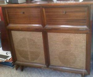 STROMBERG-CARLSON-CONSOLE-RADIO-COLLARO-RECORD-PLAYER