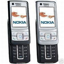 Téléphones mobiles blancs avec Android, GPS, sur désimlocké