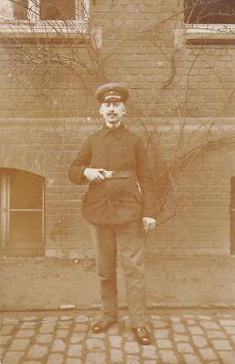 WW1 GERMAN ARMY SOLDIER PHOTO - 1915 FELDPOST POSTCARD