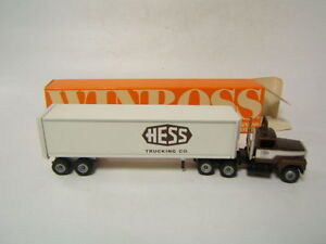 Winross-Hess-Trucking-Co-Ford-tractor-w-reefer-trailer-1988-VGC-in-Box