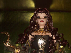 28008-HTF-MEDUSA-Barbie-Doll-NRFB-MINT